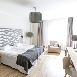 4* hotellituba